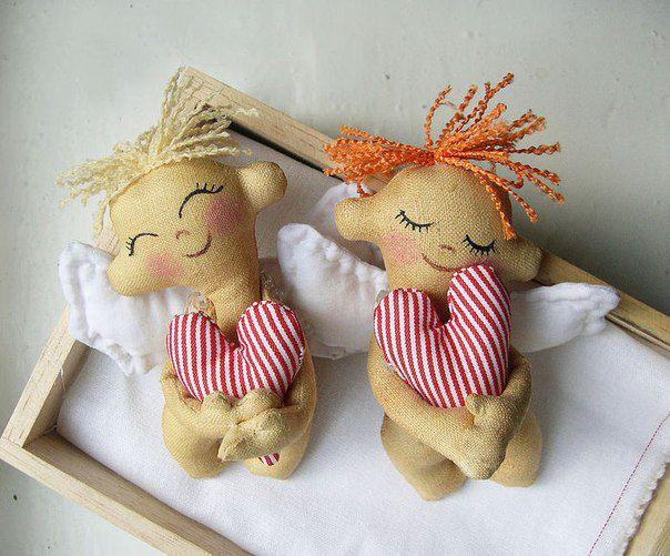 Ангелочки с волосами из шнуров. Автор: Алена Буланова