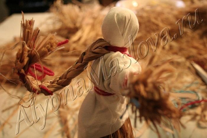 Кукла и прическа из лыка. Автор: Алена Маслова