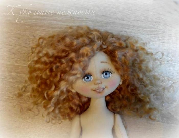 Как сделать объемное лицо текстильной кукле