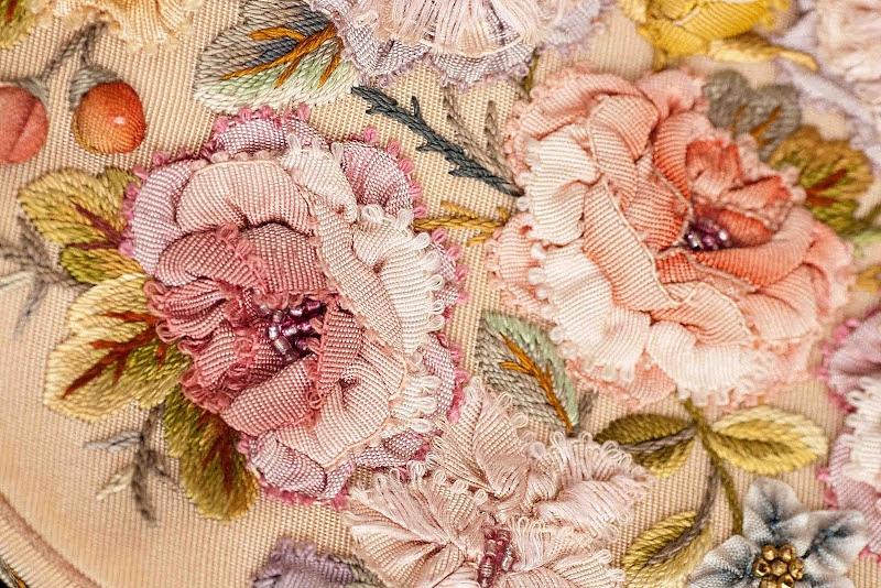 Смешанные виды вышивки от SUSAN ELLIOTT