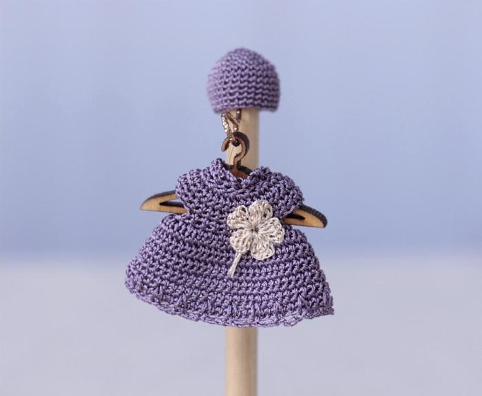 Сиреневое платье крючком на малыша